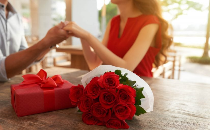 Why Do We Give Red Roses On Valentine S Day Valentines Day Flowers