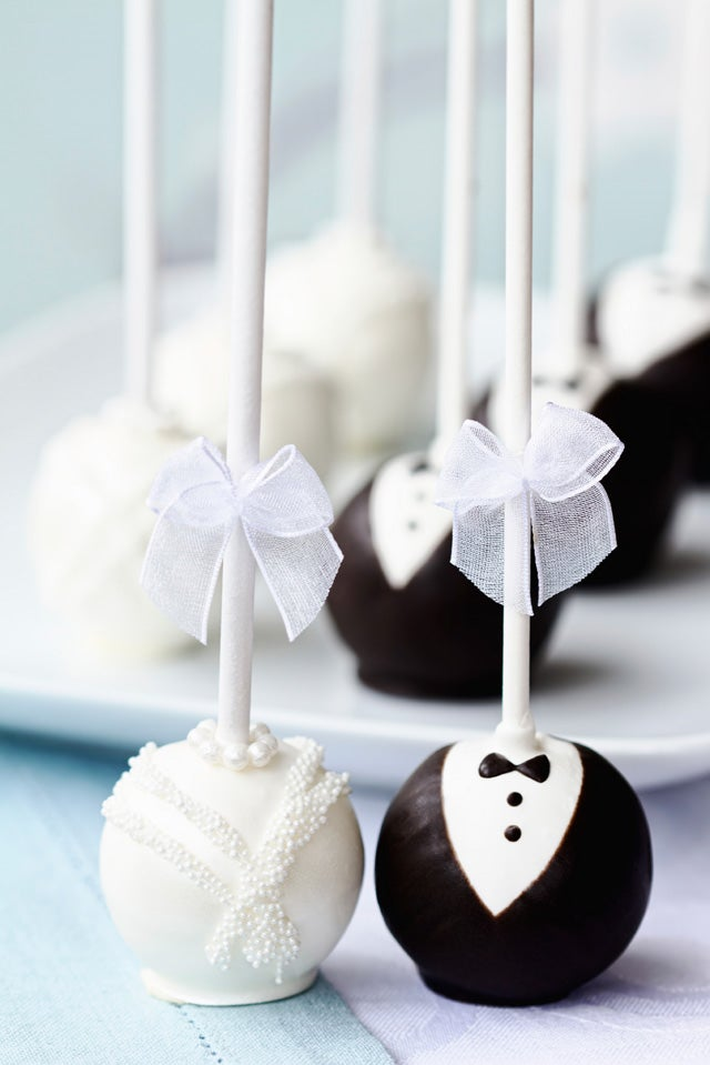 6 sweet treats to bring to a bridal shower