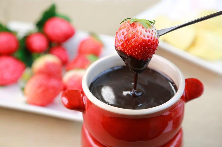 How to make chocolate fondue - Fondue de chocolate ...