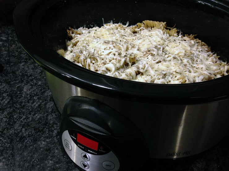 Slow Cooker Pesto Chicken Pasta