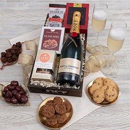 Moët Champagne & Chocolate Pairing - Gilded Celebration