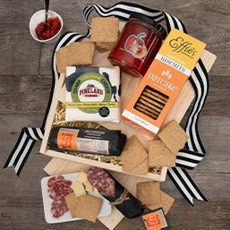 Charcuterie Lovers Picnic Basket 4365