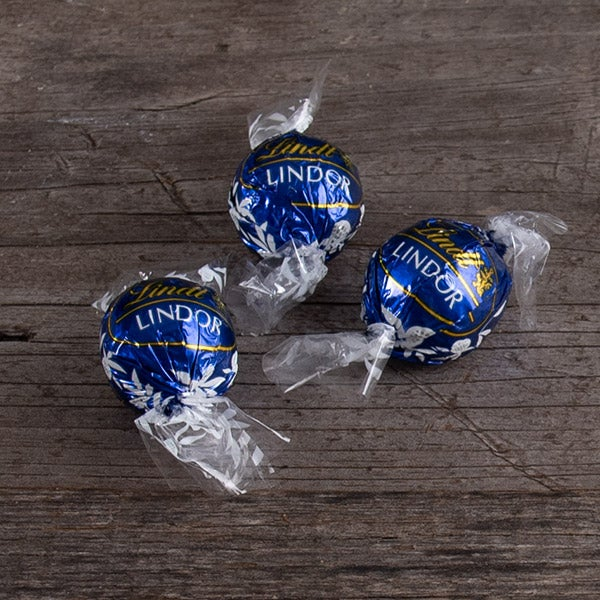 Lindor Dark Chocolate Truffle (Blue Wrapper) by Lindt & Sprungli -