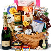 Weekend In Paris - Gift Basket (5116)