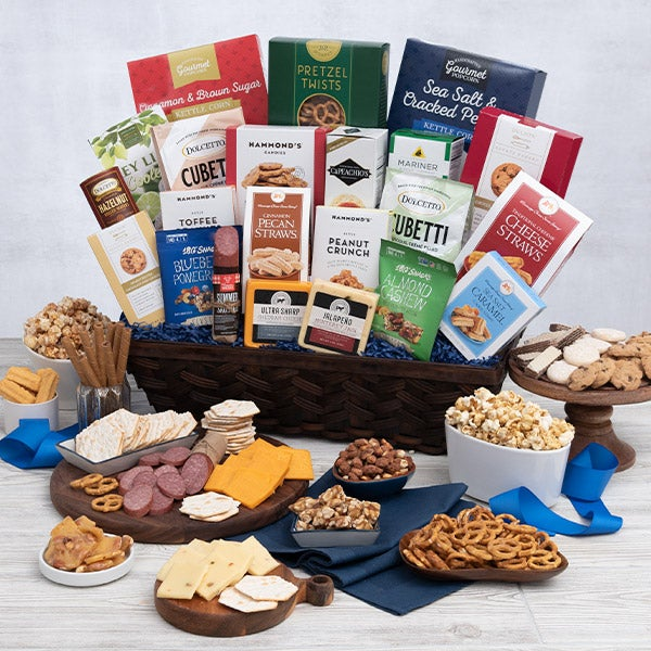 International Ultimate Snack Gift Basket