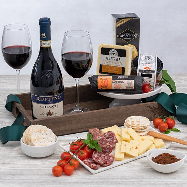 Chianti wine italian gift basket by for Homemade christmas gift baskets for couples