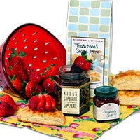 Mother's Day Strawberry Shortcake Gift™ (4689)
