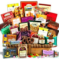 Snack and Chocolate Gift Basket - Jumbo (4105)